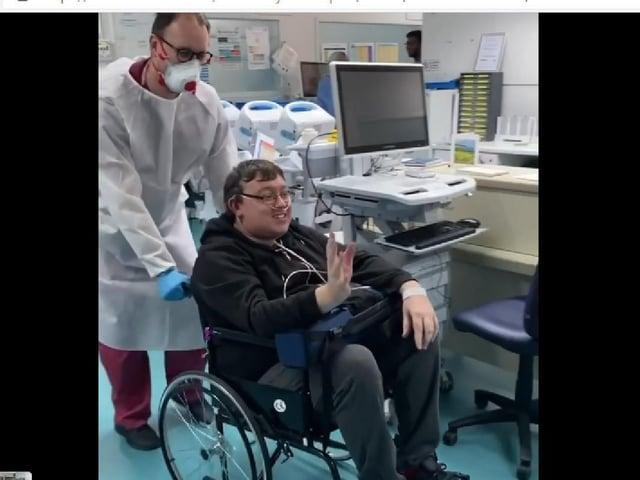 Simon says an emotional farewell to Ward 15