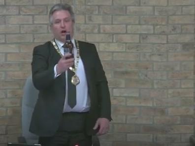 The Mayor toasts the Duke