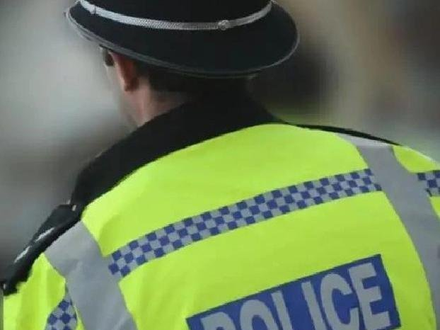 Police officers handed out nearly 3,000 fines in the Thames Valley