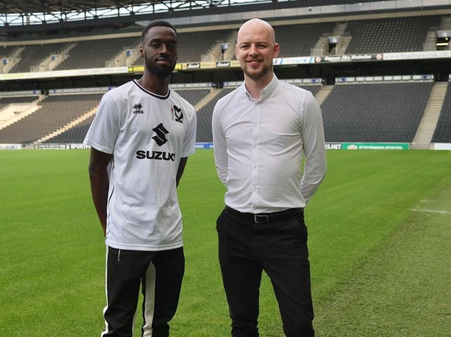 Mo Eisa with Sporting Director Liam Sweeting